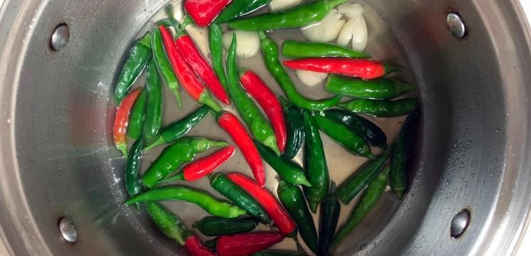 Маринуємо пекучий перець на зиму: улюблений рецепт моєї сім'ї